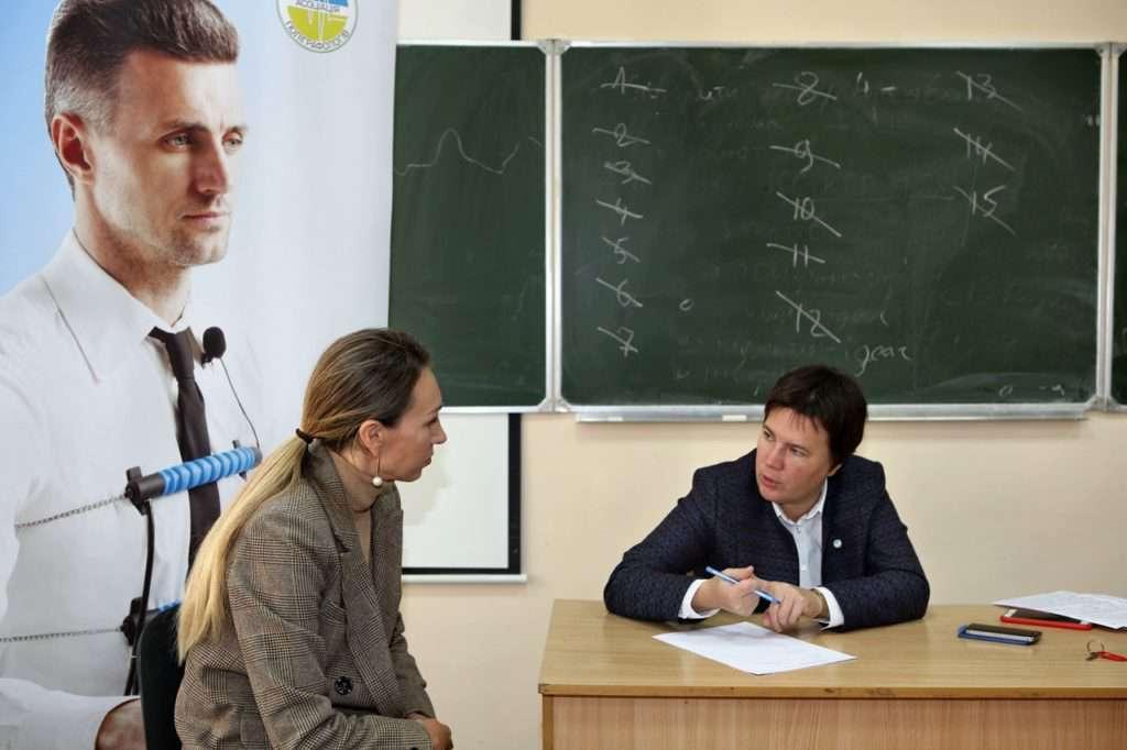 Морозова і студент курсів поліграфологів