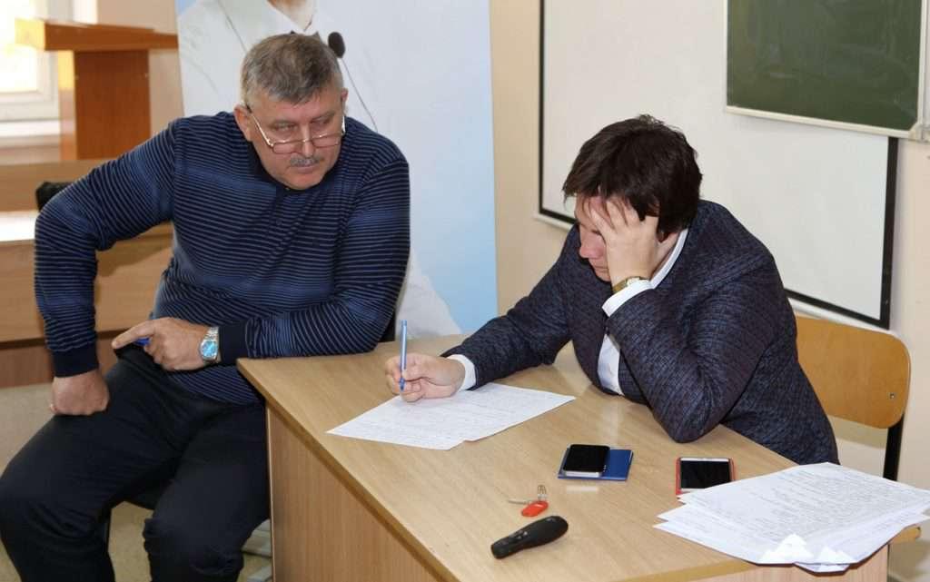 Викладач Морозова із студентом