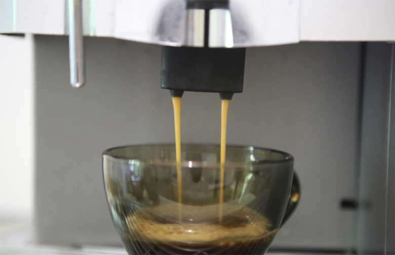 Випити багато кави перед проходженням перевірки на поліграфі