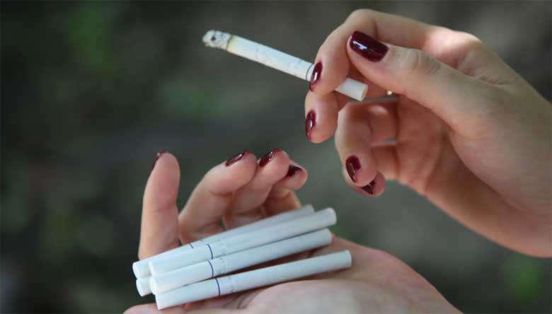Викурити багато сигарет перед перевіркою на детекторі брехні