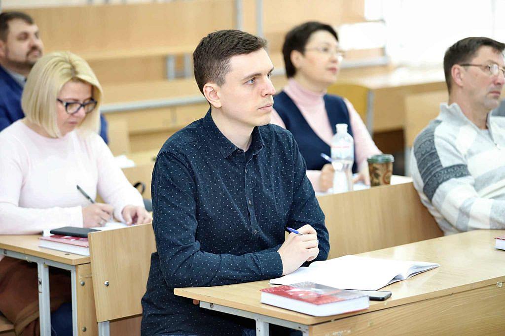 Студенти на курсах підвищення кваліфікації поліграфологів