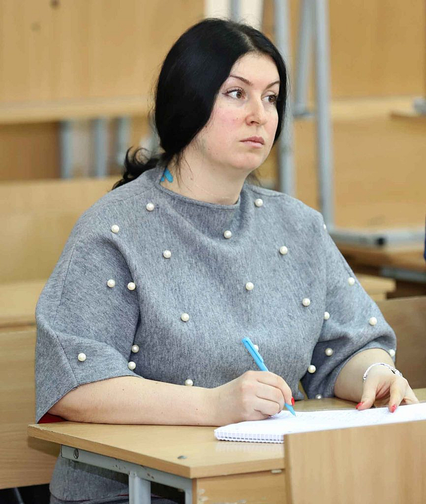 Поліграфолог слухає курс підвищення кваліфікації